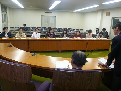 母連食の安全で県交渉1.JPG