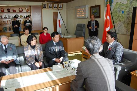09県議会提出2~2.JPG