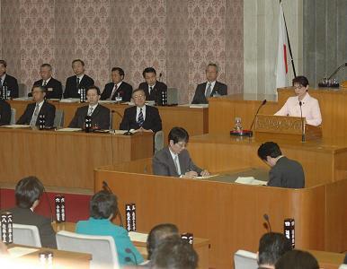 0903092月補正反対討論②~1.JPG